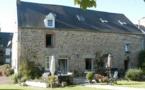 CHEZ VIC -Baie du Mont-Saint-Michel-Dans ancienne ferme du 18ème, 3 chambres d'hôtes pour 4 adultes et 2 enfants. Nadine Lemonnier