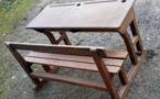Vente d'anciennes tables d'école et autres pièces d'époque - TOUT DOIT DISPARAÎTRE, prix sacrifiés négociables