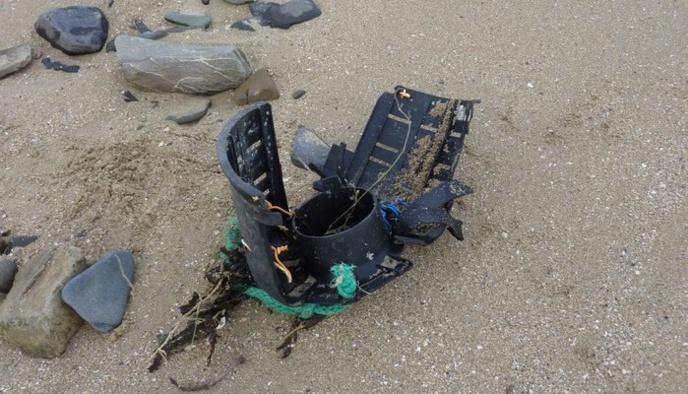 Deux bacs à marée sur les plages de St Jean le Thomas