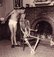 Richard Anacréon et son inséparable squelette