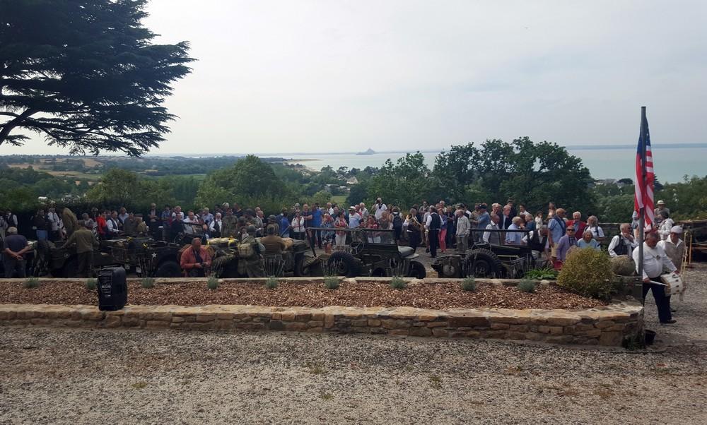 """Les participants sont conviés à prendre un rafraîchissement devant l'un """"des plus beaux panoramas du monde"""" selon Eisenhower."""
