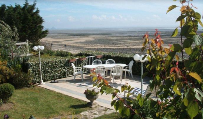 La terrasse côté mer, mise à disposition